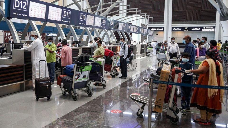 ممنوعیت ورود اتباع ۹ کشور از جمله ایران به عمان