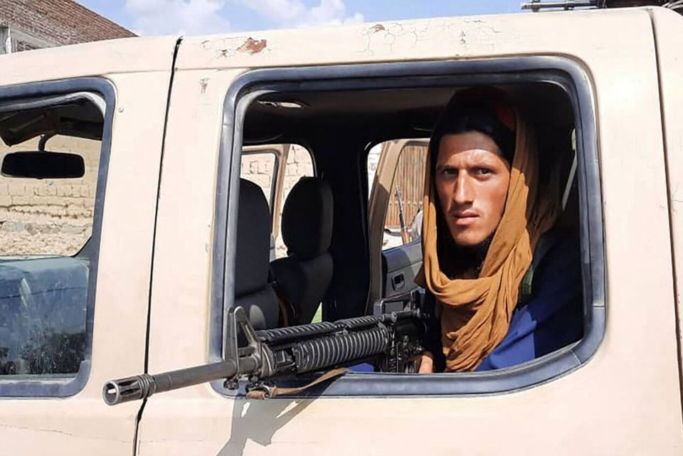 دکوراسیون طالبانی تلویزیون افغانستان + عکس