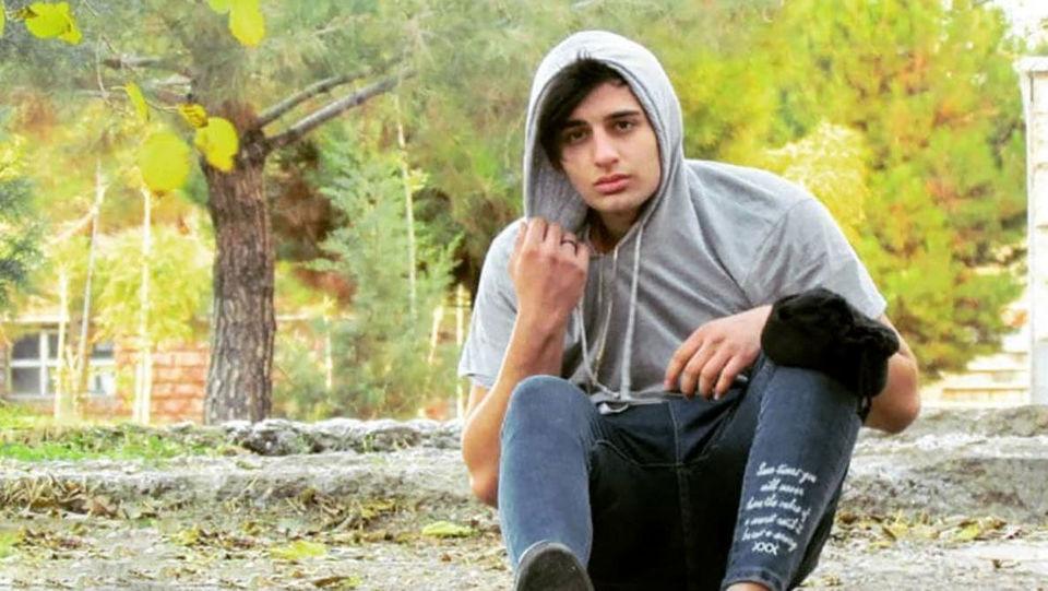 این پسر 18 ساله را می شناسید ؟ / در صحنه خودکشی چه کرد؟ + عکس و فیلم