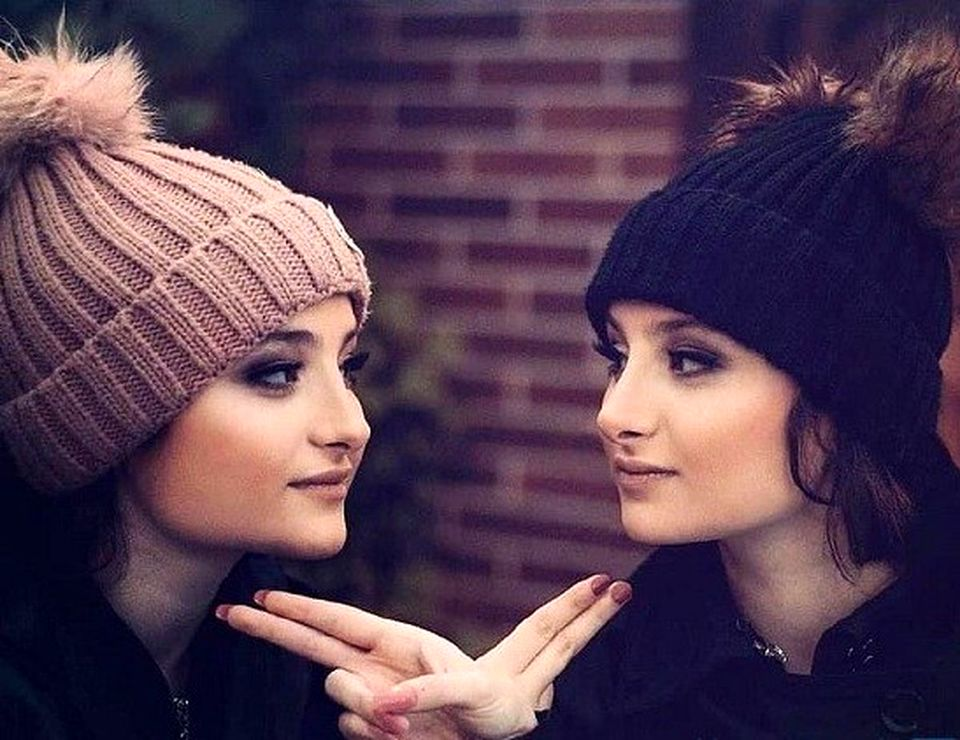 دعوای جنجالی سارا و نیکا در لایو اینستاگرام! + ویدئو
